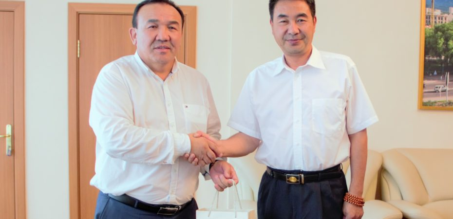 Consul General of PRC is in The Kazakh State Circus