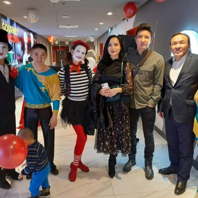 On January 25, 2021, artists of the Kazakh State Circus took part in the opening of the Kinopark 4 cinema in the Globus shopping and entertainment center. Congratulations to our partners with the opening of another cinema!
